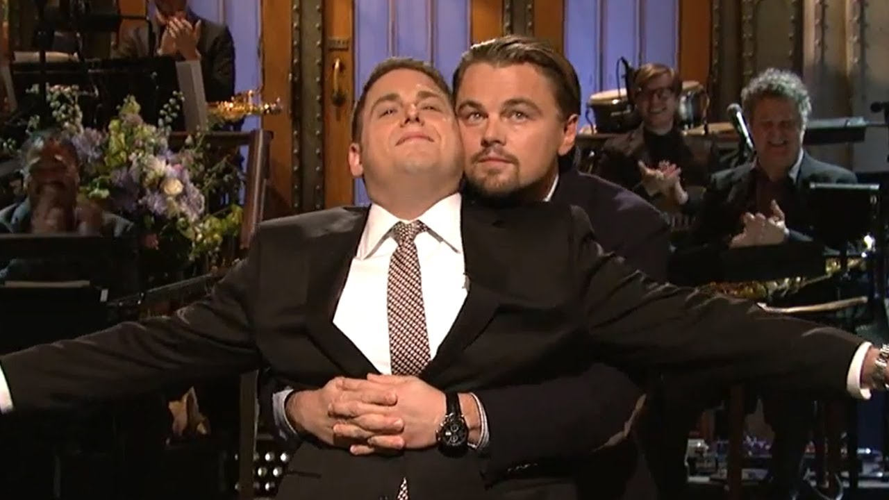 Jonah Hill hosting SNL, Leo Di Captio hugging him during his monologue